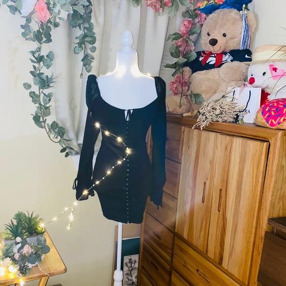 Forever 21 Dresses & Skirts - Forever 21 hook and eye mini dress 🖤🖤